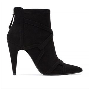 Reselling: Zara high heel Ankle boots